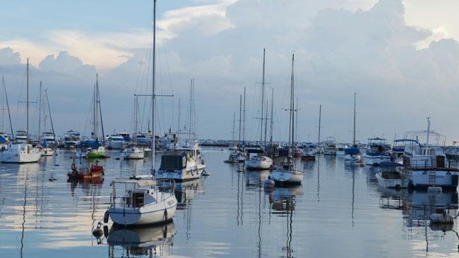 Manila-Yacht